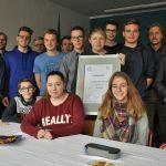 Die Mitglieder der Schülergenossen Selm trafen sich mit Schulleiter Ulrich Walter, Lehrer Florian Mersch und Martin Potschadel von der Volksbank Selm-Bork zum gemeinsamen Gespräch.